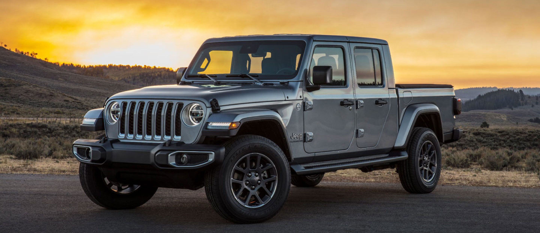 2020 Jeep Gladiator vs  Toyota Tacoma